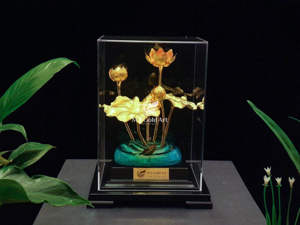 Chậu hoa sen dát vàng 24k