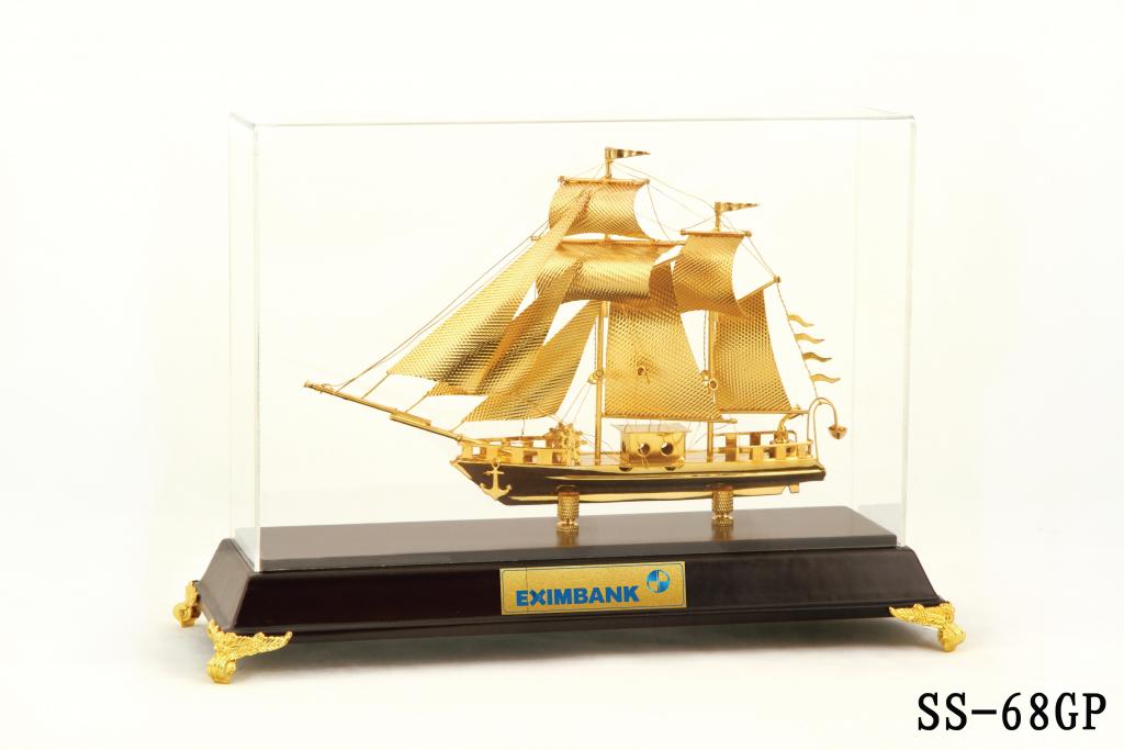 Tranh thuyền thuận buồm xuôi gió