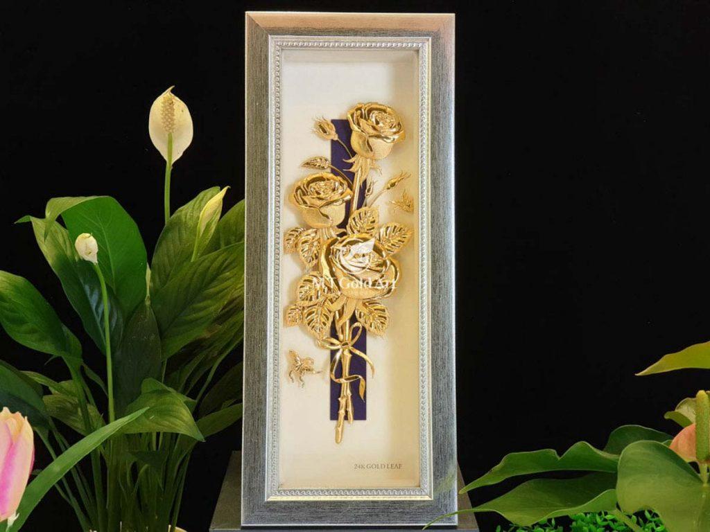 Tranh hoa hồng dát vàng
