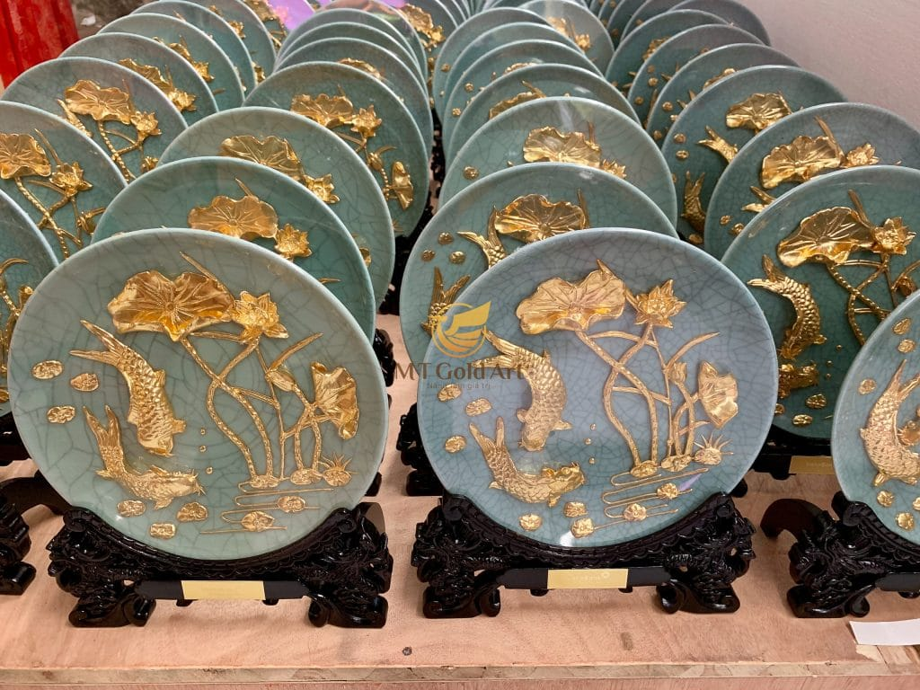 đĩa cá chép hoa sen